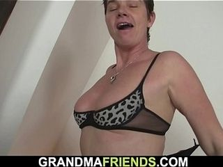 Cool granny gets bare then deep throats and rails 2 weenies