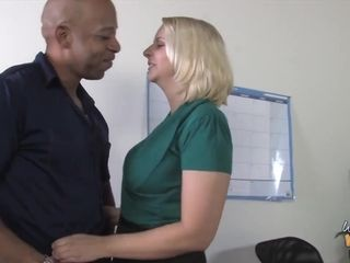 Plump Blondie Mommy Shane Diesel Gets Big Black Dick