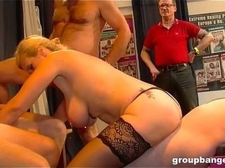 Rounclutteredsting pock-marked pussy milf enjoys uncluttered hunclutteredrdcore gunclutteredngbunclutteredng