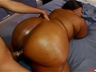 Majiik Montana fumbles his neighbors enormous black arse before he plumbs it with his enormous wood