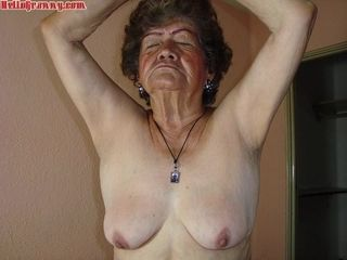 Latin Amoral Grannies Slideshow Collection