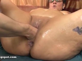 BBW mature anal masturbation