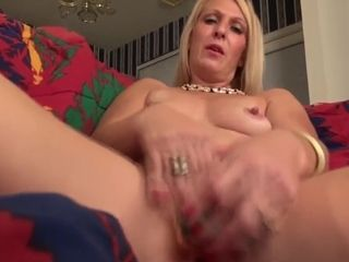 Desperate yankee housewife and mummy needs a superb fuck-fest
