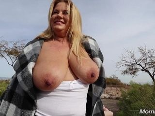 The best blondie plus-size Abigail gets ultra-kinky outdoors