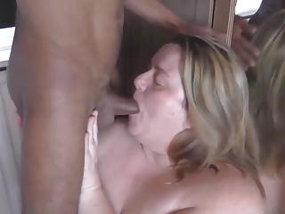 BBW Sucking & Deepthroating Black Cock