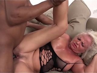 Milky mature has numerous climaxes during romp with dark-hued dude