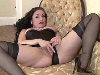 Slinky cougar with pantyhose in solo activity