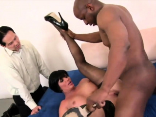Do The Wife - Horny Wives Vs BBC Comp 2