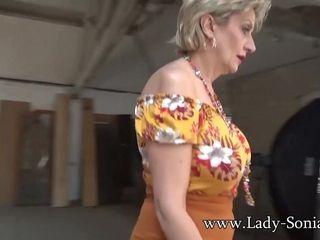 Buxom mature woman Sonia likes her hitachi hitachi