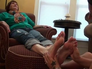 Katrina Licks Poppy Feet