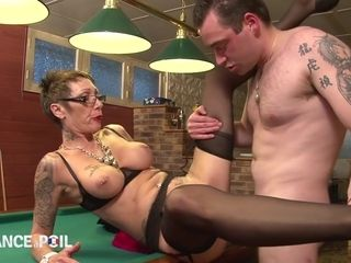 La France A Poil - Slutty Old Bitch With Piercings Fuck