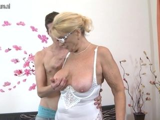 Naughty Mature Lady Doing Her Toy Boy - MatureNL