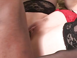 Mature carried into the room so she can serve BBC with babe!