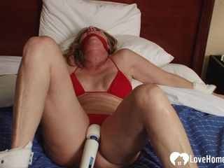 cougar gets toyed with a Hitachi on camera