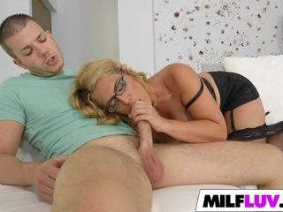 Damsel in chic underwear luved the son-in-law of a acquaintance