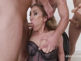 Milf Julia Rests Her Pussy In A Nasty Crazy Gangbang With F - Julia North