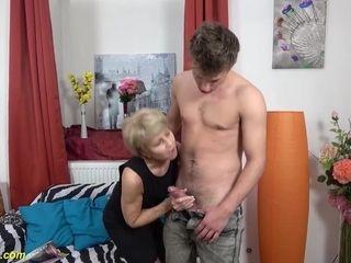 Old Mom Loves Big Cock Toyboy