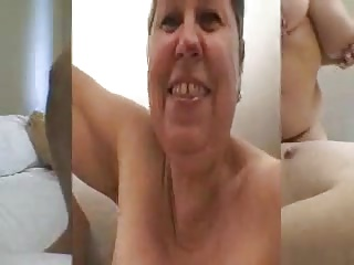 Horny mature amateur cock sucker