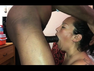 Mature GILF luving multiracial deep throat
