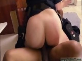 Fellow gives cougar oral and thick booty ebony masculine squatting in home gets our mommy officers