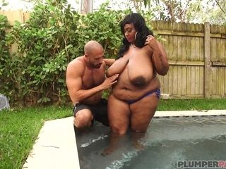 Plumper ebony mother xxx intercourse