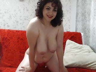 Soft wife lets her big tits hang low