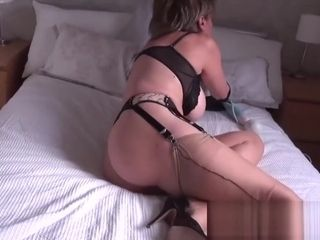 I caught my mature aunt-in-law wanking with a vibro