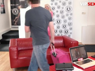 'ExposedCasting - Jarushka Ross Slutty Czech MILF Hardcore Pussy Fuck And Squirt On Camera'