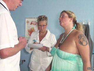 Round cougar medical check-up Wenn der Frauenarzt die Mutti fickt bei der Kontrolle