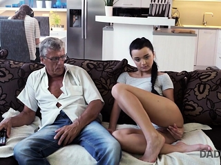ParentDY4K. Pink cigar of mature parent pleases girl's need in superb...