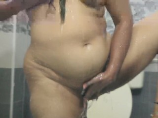 Desi Bhabhi finger-tickling Her unshaved poon While In douche