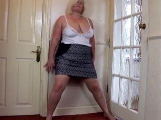 Good-sized grandma with elderly good-sized hungry labia