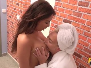 Hard scissoring with Anissa Kate & Kathy Anderson