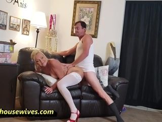 Dildo Masturbation And Ms Paris Rose - Slutty Housewife Takes Advantage Of Delivery Guy