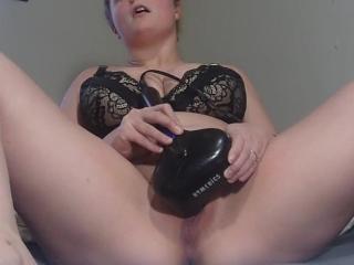 Whorish wifey wants you to jizz with her