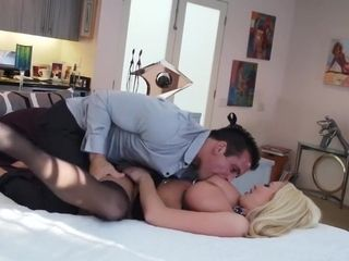 Penetrating THE BOSSES wifey