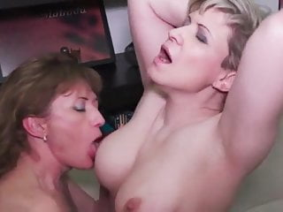 Clitorissa's mature lesbians