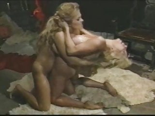 Sweaty horny clairvoyant women sexfight