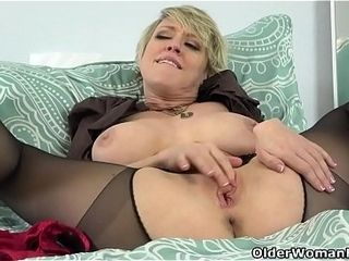 American milf Dee Williams admires say no to pussy far a catch reflect