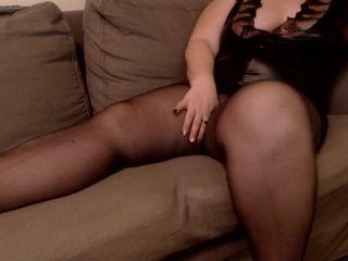 Elegantsandra with sexy legs and pantyhose