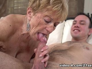 Malya in Granny's gusto - 21Sextreme
