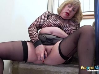 EuropeMaturE brit nymph Solo onanism