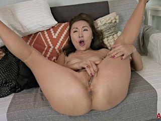 Skinny Asian MILF Lira Kissy In Solo Pussy Wanking