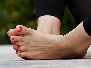 Feet 020 - smelly limbs