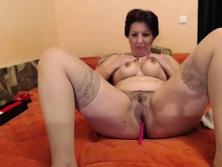Hot mature amateur in stockings