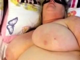 Mature plumper attempting Out Her fucktoys
