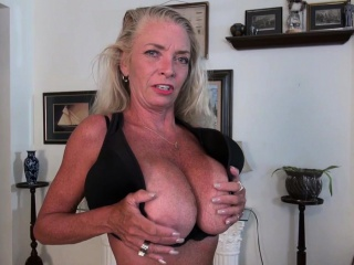 USA gilf Kelli will turn you on with her sensitized bod