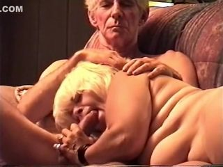 Elderly nipper Gives buff nearly an elderly cadger
