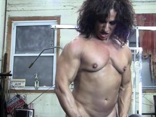 Bare girl Bodybuilder smooch My bare Muscles
