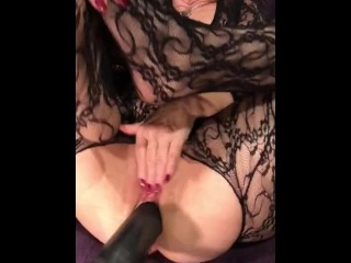 Fucking Machine Debut With Horny GILF Getting Drilled